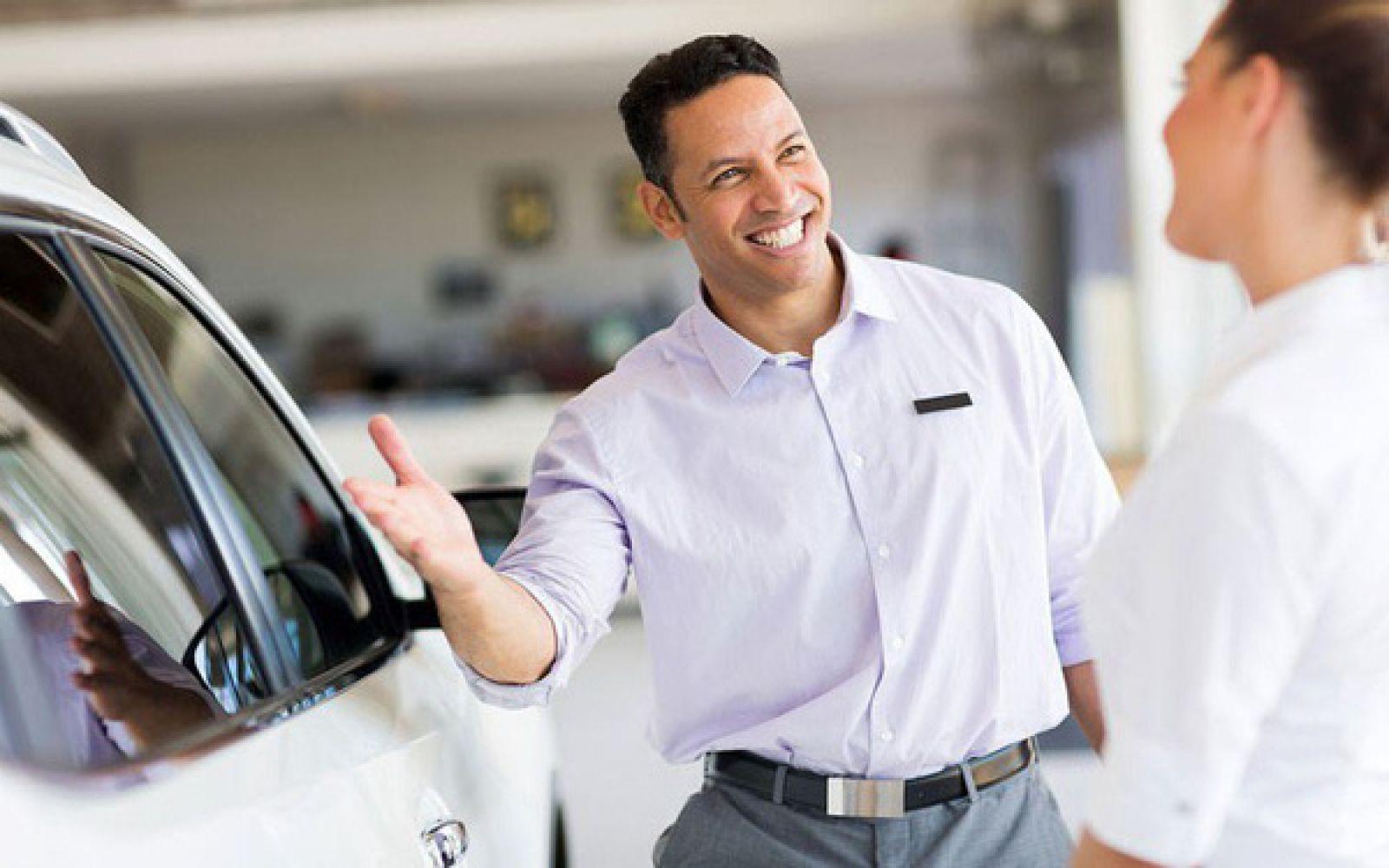 Luôn lắng nghe mọi thắc mắc của khách hàng bằng thái độ niềm nở nhất.