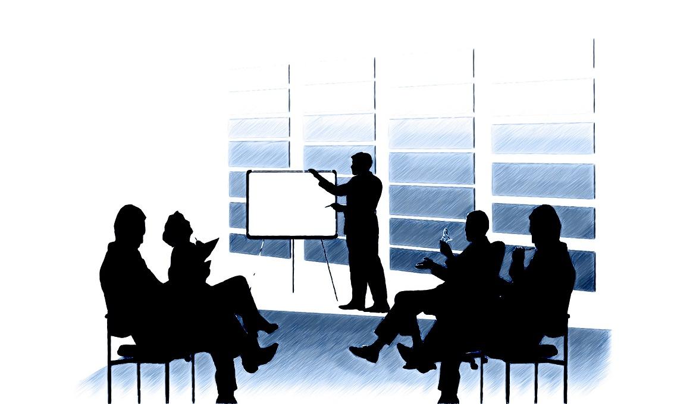 Xây dựng hình ảnh doanh nghiệp theo chiến lược thương hiệu tập trung.