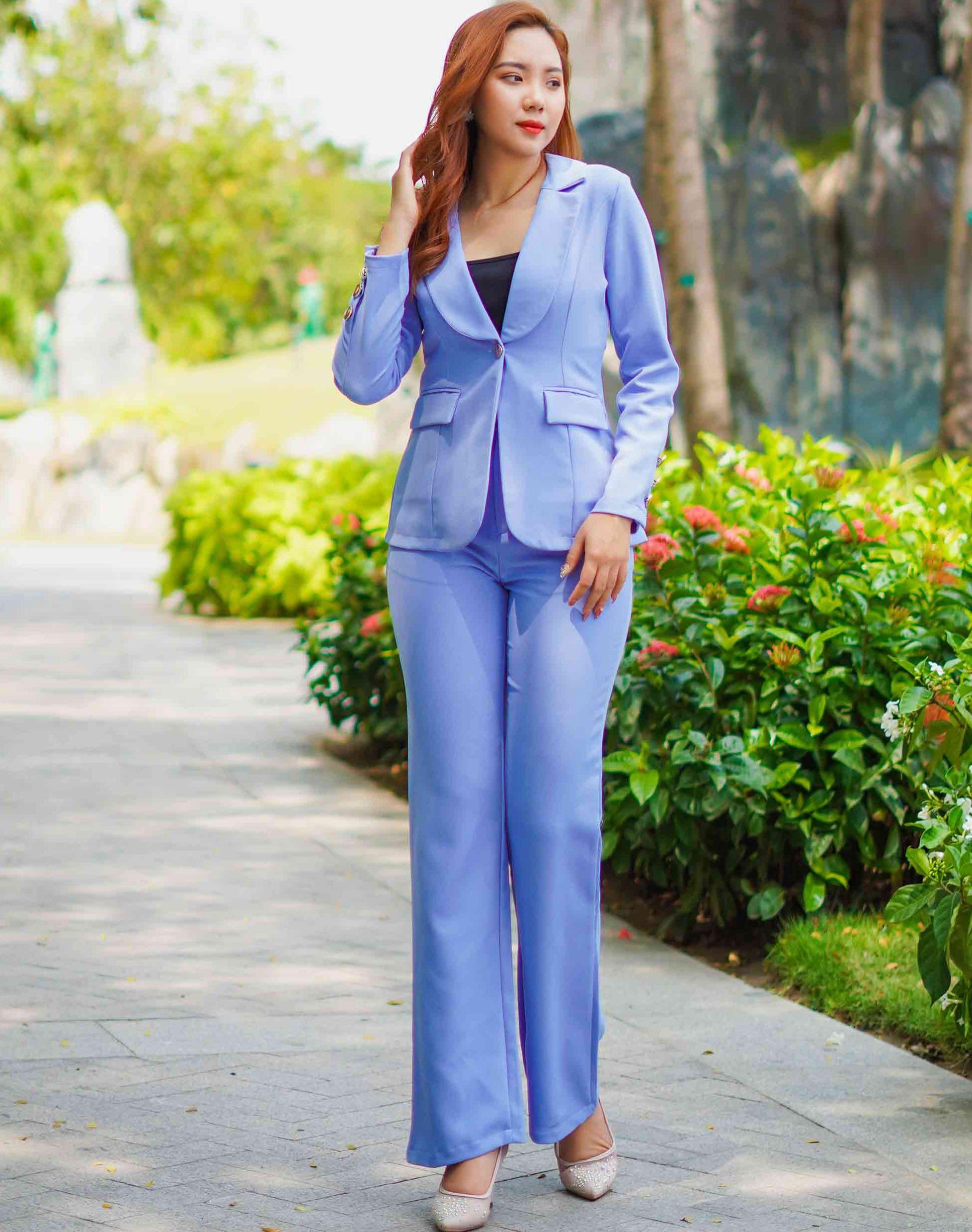 trang phục vest nữ công sở