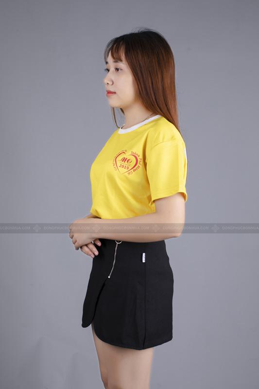 Mẫu áo không cổ không làm mất đi sự chuyên nghiệp của áo công ty.
