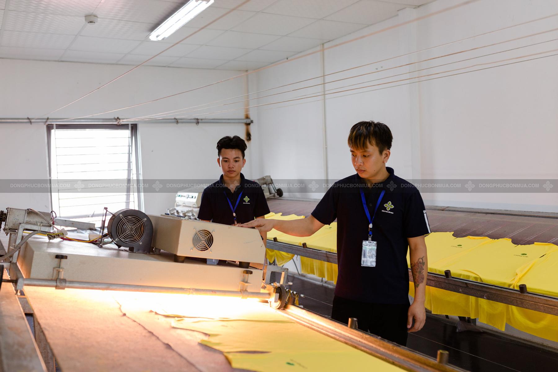 Hệ thống máy móc nhà xưởng hiện đại làm nên xưởng in áo chuyên nghiệp
