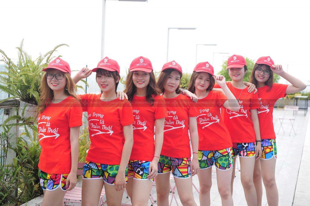 Áo đồng phục nhóm giúp gắn kết các thành viên