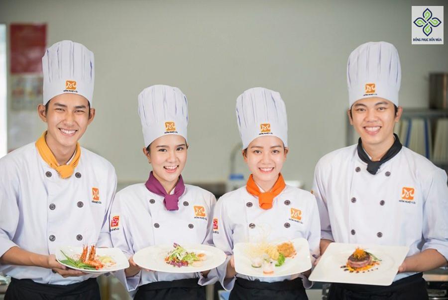 Set đồng phục bếp đầy đủ tạo sự chuyên nghiệp và chỉn chu