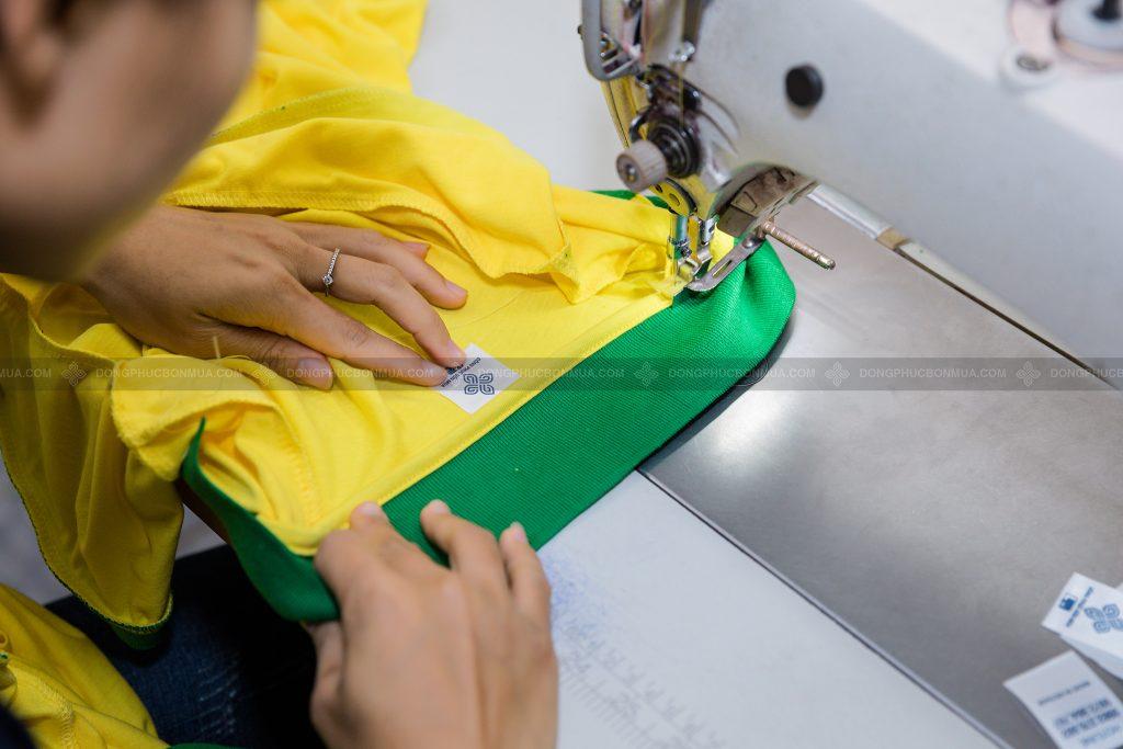 Chọn xưởng in áo đồng phục có quy mô lớn