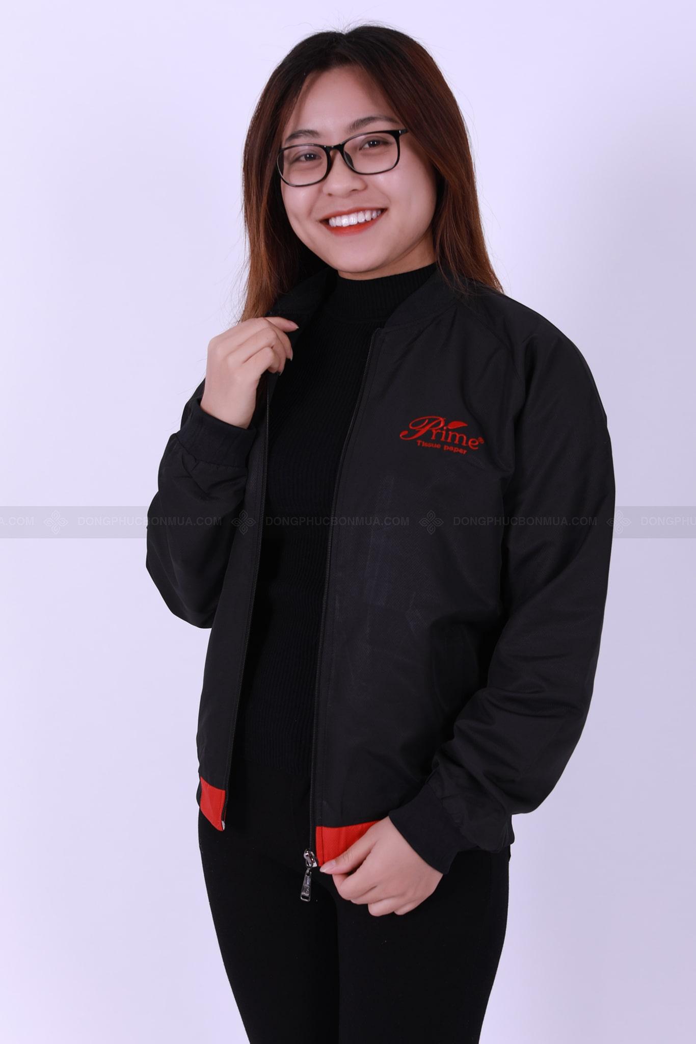 xưởng may áo khoác đồng phục