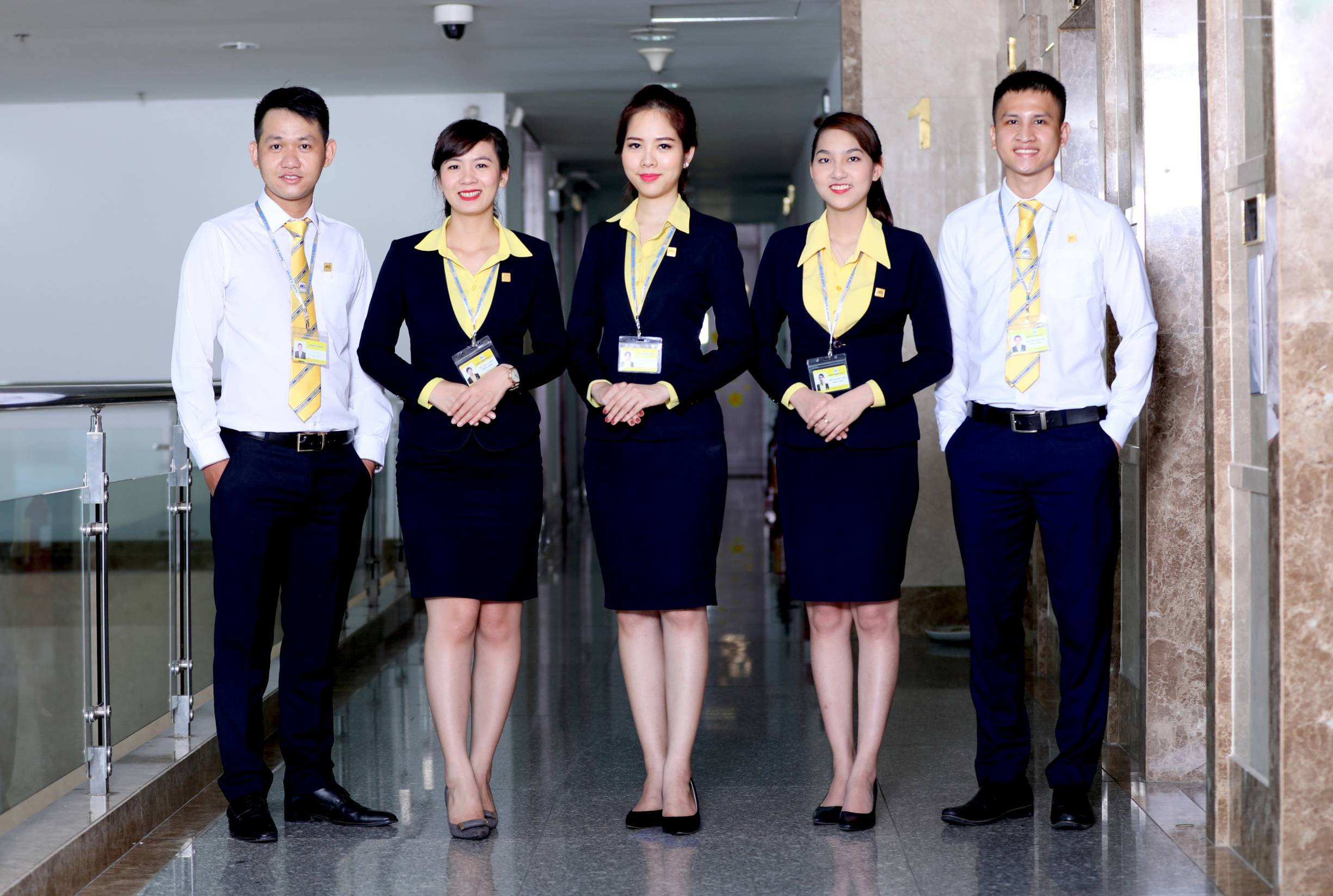 đồng phục nhân viên lễ tân khách sạn