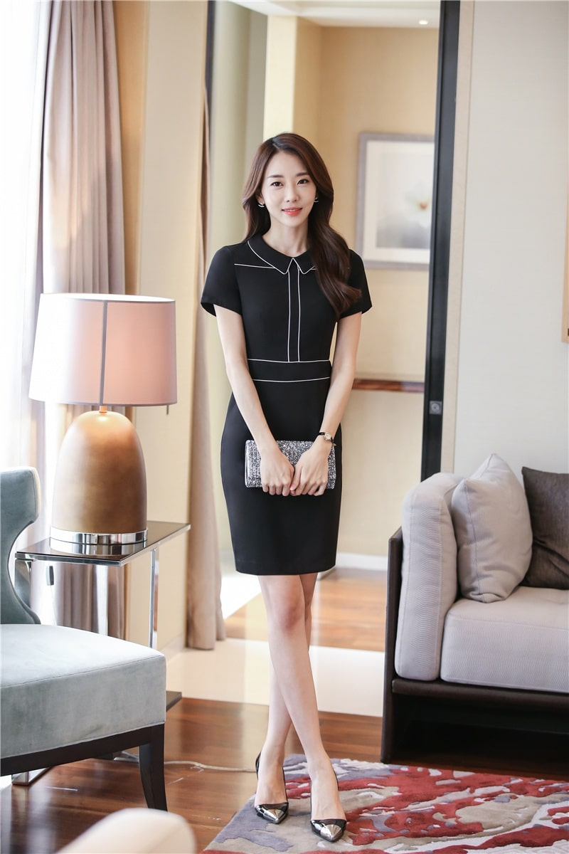 trang phục lễ tân khách sạn